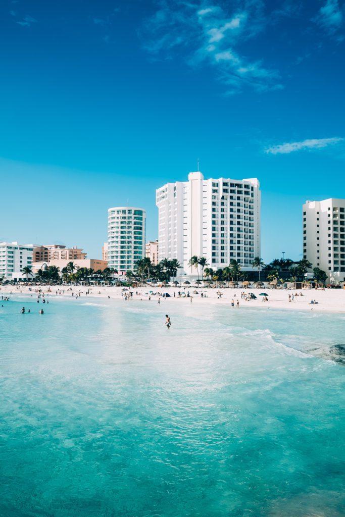 Immeuble sur la plage